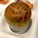 ワイン&ダイニング エマブル - 朝食(\2,500) 土手焼き風スジ煮込みのパイ包み風