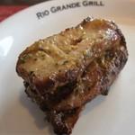 RIO GRANDE GRILL - 骨付き鶏もも肉(だったかな?)