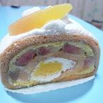 パティスリー キハチ - 白桃のロール 546円