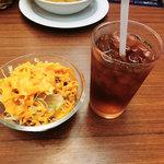 インドカレーレストラン マサラ - NEW!!2011.07 日替わりセットのウーロン茶とサラダ