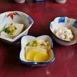 鮨岡 - 冷奴、ポテトサラダ、お新香