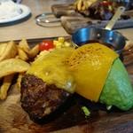 肉が旨いカフェ NICK STOCK - アボカドチーズハンバーグ 1,280円