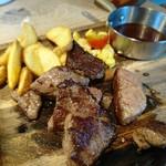 肉が旨いカフェ NICK STOCK - 切り落としステーキ 1,280円