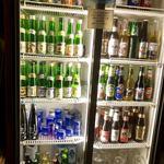 下総屋 - 日本酒は全国の地酒の1合瓶をセルフサービス