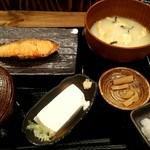 88095946 - 厚切り銀鮭塩焼き定食 780円