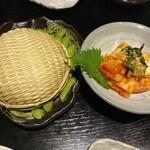 88097522 - 茶枝豆と韓国キムチ