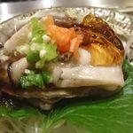焼肉 強小亭 - 蒸し岩牡蠣 ポン酢ジュレ掛け