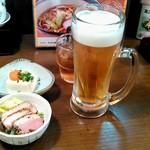 和食 うどんや - 生ビールと明太子、ネギの冷奴、鴨のロースト