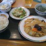 龍翔楼 - 豚肉と白菜の炒め定食
