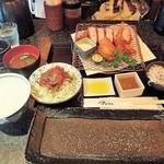 とんかつ マンジェ - 「あじ豚チョイス(天然エビフライ&カニクリームコロッケ)定食」(2,650円込)(2018年6月)