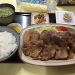 さとう家 - 生姜焼き定食