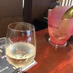 WINE&DINE 9 - 白ワインボトルで