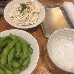 串かつ でんがな - 枝豆とポテサラ