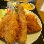香楽 - 大きく熱々な魚フライ