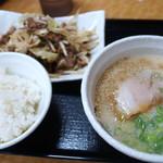 東龍軒 - 焼肉定食 ミニラーメン付き 930円(税込)