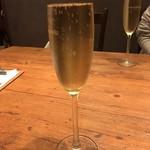 MERAKI KITCHEN - なみなみスパークリングワイン