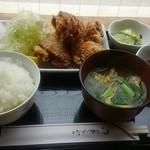 はなび - 若鶏のゲンコツ唐揚げ定食