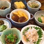 ティーズカフェ - ランチ(お惣菜ズーム)
