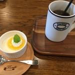 ティーズカフェ - デザートとアイスコーヒー