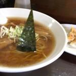 善屋 - 料理写真:中華そば+餃子=1000円