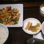 五香路 - 鶏のカシューナッツ炒め定食