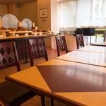 ル・ベール - テーブル席