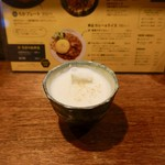 SPICY CURRY 魯珈 - ラッシー(200円)税込
