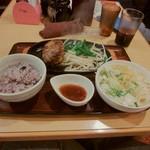 武州うどんあかねandみどりダイニング - ハンバーグ定食:黒酢しょうゆ(\820)