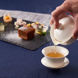 平日午後の中国・台湾茶の〈日々是好日〉が始まりました。
