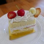 パティスリー ユーピユーピ - マクロビショートケーキ(500円)