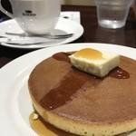 珈琲館 - 手焼きホットケーキ(1枚)とブレンドコーヒー