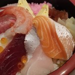 まる田 - 料理写真:自慢のシャリに新鮮寿司ネタ!
