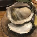 五郎 - 料理写真:岩牡蠣