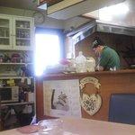 いんでいら倉田 - 店主が腕を振るう、厨房