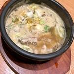 88152284 - 超濃厚、熱々スープ