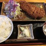 まるいち亭 - とんかつ定食 1250円 大盛無料
