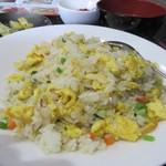 好運来 - セットのご飯は炒飯、足りない時は白御飯になりますがお替りが出来ますよ。