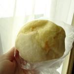 ベーカリーカフェ デリーナ - 天然酵母塩パン