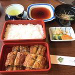 博多名代 吉塚うなぎ屋 - 【2018年05月】特うな重、鰻と御飯は別盛で提供なんですね。
