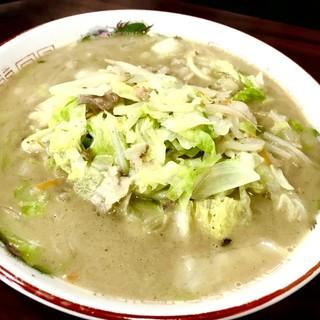 たっぷり野菜と鶏ガラベースのスープが優しか◎王のちゃんぽん★