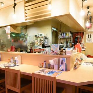 居心地◎なカウンターで昼飲みも♪立ち寄りやすいお気軽空間!