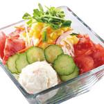 国産牛焼肉くいどん - 9種の生野菜 たっぷり!くいどんサラダ