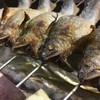 手料理 右近 - 料理写真:琵琶湖鮎の炭火焼き  その名の通り活けの鮎をじっくりと焼き上げました。 頭はサクッと唐揚げ状に焼き上げ、ほろ苦さが鮎の甘味を引き立ててくれます。