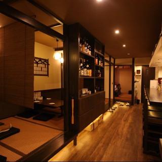 柔らかな雰囲気漂う、大人の美食空間。おひとりでも気軽に。
