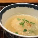 88182876 - *虎魚の季節ですので脂がのりいい味わい。 みぞれ餡にしたお出汁も美味しい。