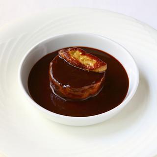 表現力豊かな味わいでゲストを翻弄する、魅力溢れる一皿