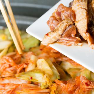 これぞ岐阜県ゆかりの味!下呂直送◎種類豊富な【鶏ちゃん焼き】