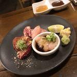ココロ - 料理写真:鶏刺し盛り合わせ