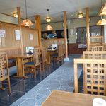 日本蕎麦 籠家 - テーブル席と小上がりがあった
