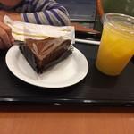 カフェ・ベローチェ - 生チョコケーキ